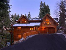 Luxury Treehouse In Tahoe Donner photos Exterior
