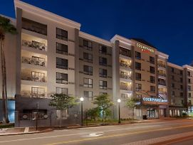 Courtyard By Marriott Tampa Downtown photos Exterior