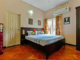 Furnished 1Br Stay On Mg Road, Kochi photos Exterior
