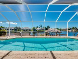 Villa Salty Shoreline, Cape Coral photos Exterior