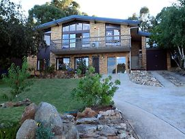 Alpine Apartment - Great Location With Views Of Lake Jindabyne photos Exterior