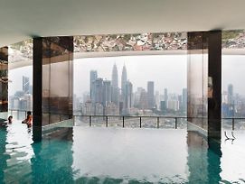 Oyo 462 Home 1Br Setia Sky With Rooftop Infinity Pool photos Exterior