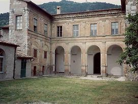 Gubbio Villa Sleeps 2 Wifi photos Exterior