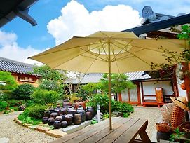 Beautiful Garden Hanok Guesthouse photos Exterior