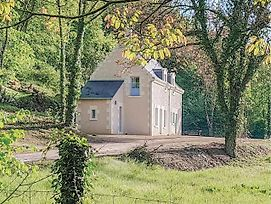 Two-Bedroom Holiday Home In Cravant Les Coteaux photos Exterior