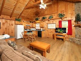 Creekside Tranquility 365 - One Bedroom Cabin photos Exterior