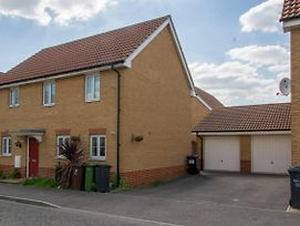 Greater London Essex 11 People Location Property photos Exterior