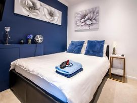 Beautiful Rooms Near Excel Center photos Exterior