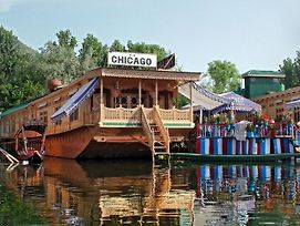 Chicago Group Of Houseboats photos Exterior