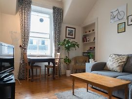 Supercentral Cute Homely Flat Just Off Royal Mile photos Exterior