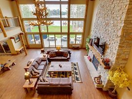 Whispering Pines Lodge: 11 Bedroom photos Exterior