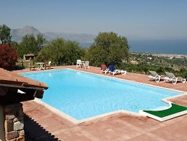 Lascari Apartment Sleeps 4 Pool Wifi photos Exterior