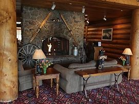 Headwaters Lodge And Cabins At Flagg Ranch photos Interior