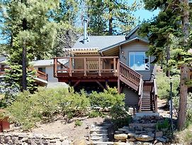 Tahoe Treehouse Lake View Cabin 1Br 1Ba photos Exterior