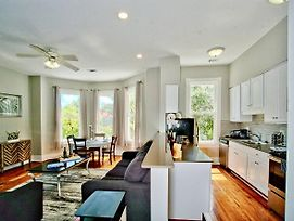 2 Bedroom Renovated Townhouse In Downtown Savannah photos Exterior