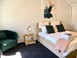 Number 1 - Chic Inner City Rooms photos Exterior