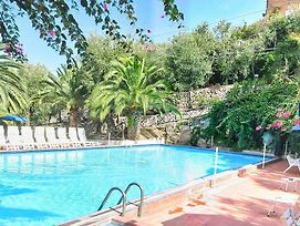 Sant'Agata Sui Due Golfi Villa Sleeps 6 Pool photos Exterior