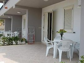Ischia Villa Sleeps 4 Air Con photos Exterior