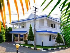 3 Bhk Villa Near Amrita Hospital Lulu Mall photos Exterior