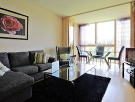 Sunny Large 2 Bedroom Apt, With Golf Course Views. photos Exterior