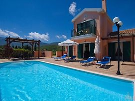 Karavomylos Villa Sleeps 4 photos Exterior