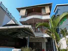 Oyo 22727 Home Cheerful Honolulu Homestay photos Exterior