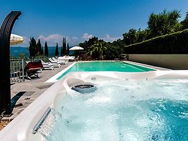 Monsummano Terme Villa Sleeps 10 Pool Air Con Wifi photos Exterior