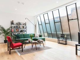 3 Bedroom Warehouse-Style Apartment In Balham photos Exterior