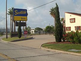 Scottish Inns Galveston photos Exterior