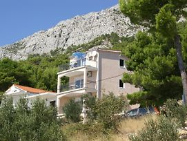 Apartments With A Parking Space Marusici Omis 4279 photos Exterior