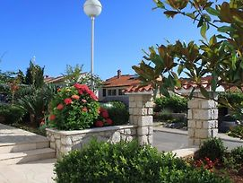 Apartments With A Parking Space Mali Losinj photos Exterior