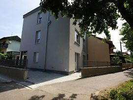 Apartments With A Parking Space Zagreb 12573 photos Exterior