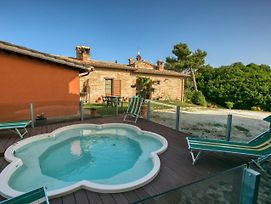 Spacious Mansion In Sant'Angelo In Vado With Pool photos Exterior