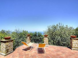 Sant'Agata Sui Due Golfi Villa Sleeps 12 Air Con photos Exterior