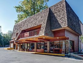 Quality Inn Creekside - Downtown Gatlinburg photos Exterior