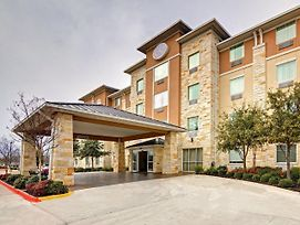 Comfort Suites Arlington - Entertainment District photos Exterior