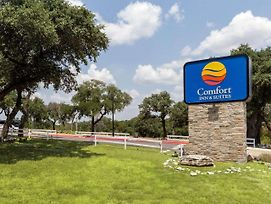 Comfort Inn & Suites Burnet photos Exterior