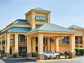 Quality Inn Thornburg photos Exterior