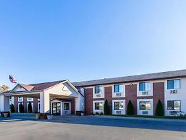 Quality Inn & Suites Ottumwa photos Exterior