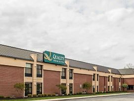 Quality Inn & Suites Greenfield I-70 photos Exterior