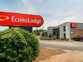 Econo Lodge Research Triangle Park photos Exterior