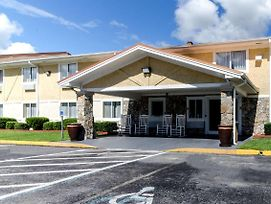 Rodeway Inn & Suites Jacksonville Near Camp Lejeune photos Exterior