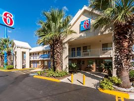Motel 6 San Antonio Tx - Near Lackland Afb photos Exterior