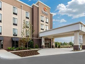 Comfort Inn & Suites At Crossplex Village photos Exterior