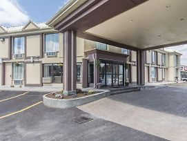 Econo Lodge Orillia photos Exterior
