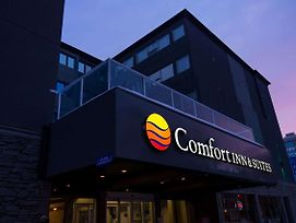Comfort Inn & Suites Downtown Edmonton photos Exterior
