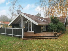 Three-Bedroom Holiday Home In Rodby 9 photos Exterior