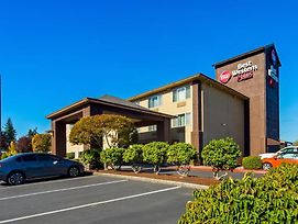 Best Western Plus Cascade Inn & Suites photos Exterior