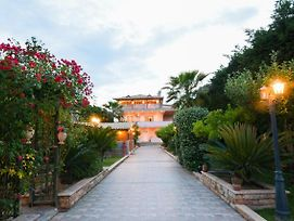 Villa With 5 Bedrooms In Kitsi With Private Pool Enclosed Garden And Wifi photos Exterior