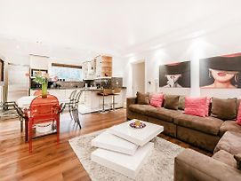 Experience A Fabulous Boutique Home Off Oxford St photos Exterior